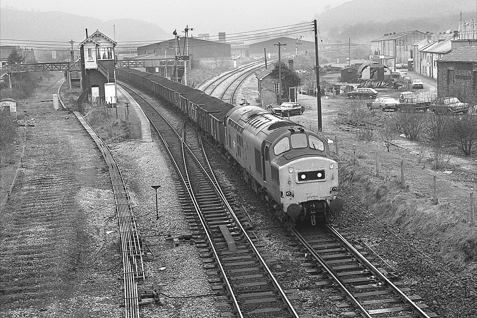 37248-walnut-tree-jnc-taffs-well-with-nantgarw-to-barry-service-24-02-1982